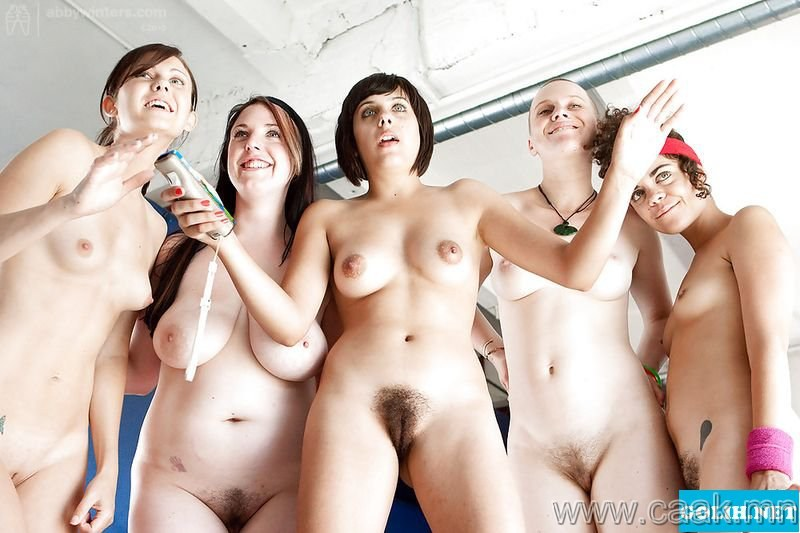 фото много голых женщин группы